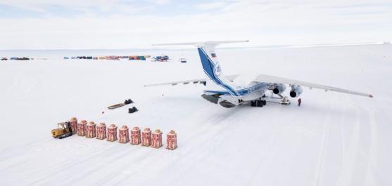 29-31 января 2021 года, специалистами компании «Передовые Технологии и Сервис», в Антарктиде, с ледового аэродрома Российской станции «Новолазаревская», совершёны три вылета на сбросы топлива в интересах английских станций Eagle, Hailey, по международной программе «DROMLAN»